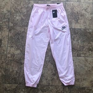 Nike Woman's Sweatpants